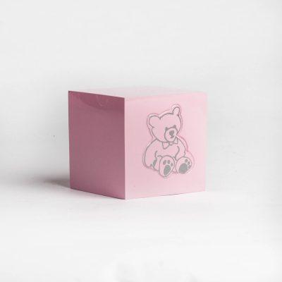 Urna różowa miś